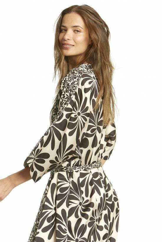 Petalo Kimono