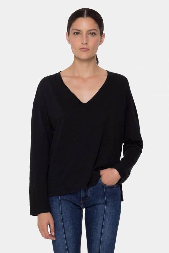 Essential V-neck top
