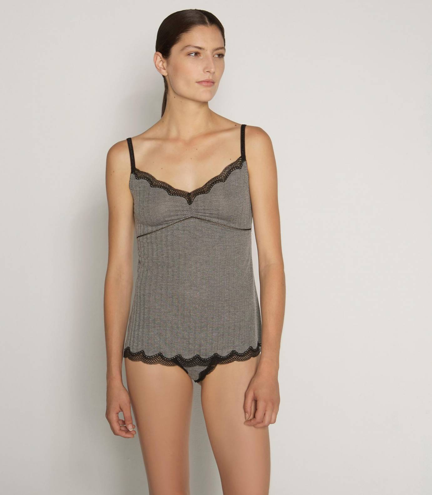 Short herringbone negligee