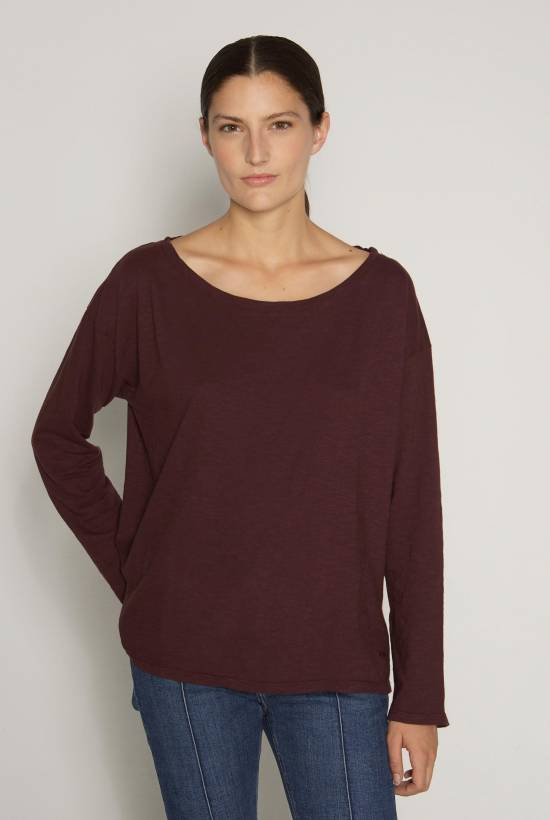 Round-neck essential top